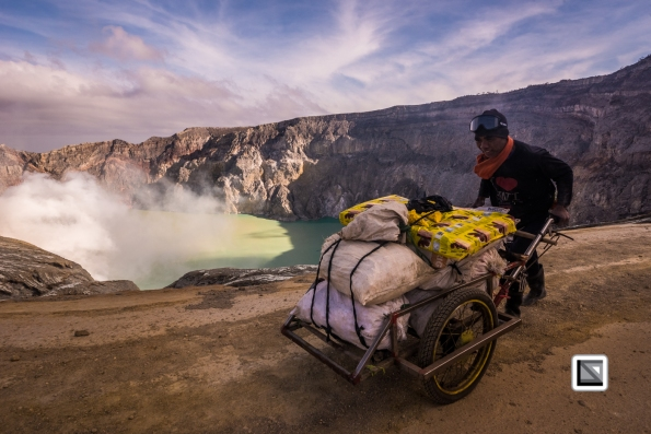 Indonesia-Java-Ijen_Volcano-220