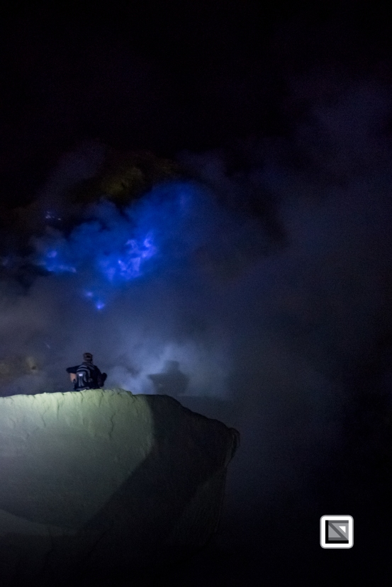 Indonesia-Java-Ijen_Volcano_Blue_Fire-18-2
