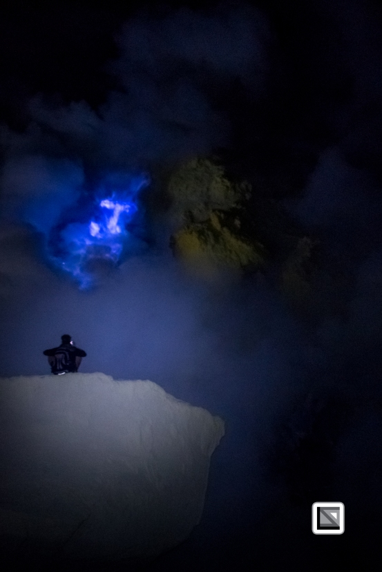 Indonesia-Java-Ijen_Volcano_Blue_Fire-21