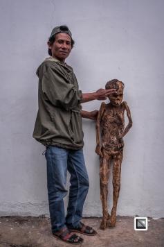 Indonesia-Toraja-Panggala_Manene-Boy_Andaris_Palulun_1997_and_brother_Ferri-43