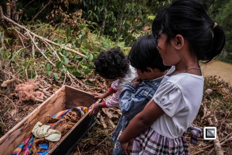 Indonesia-Toraja-Panggala_Manene-nameless_female_baby_Lai_2007_6months_old_with_cousins-12