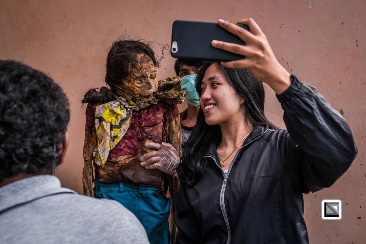 Indonesia-Toraja-Panggala_Manene-Nene_Datu_1982_and_Yuanita-5