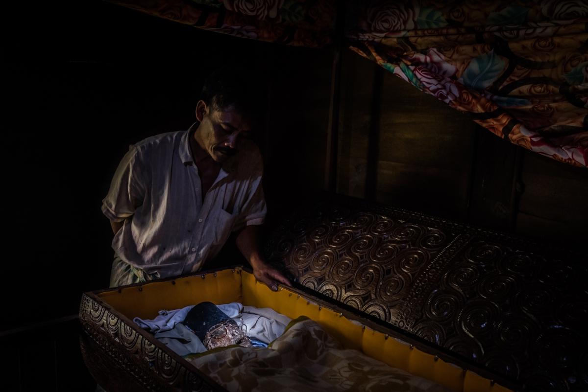 Torajas bizarre heritage - Toma Kula' - The Sick