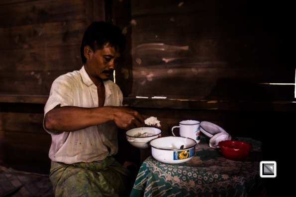 Indonesia-Toraja-Pong_Masak_and_Son_Pairunan-25