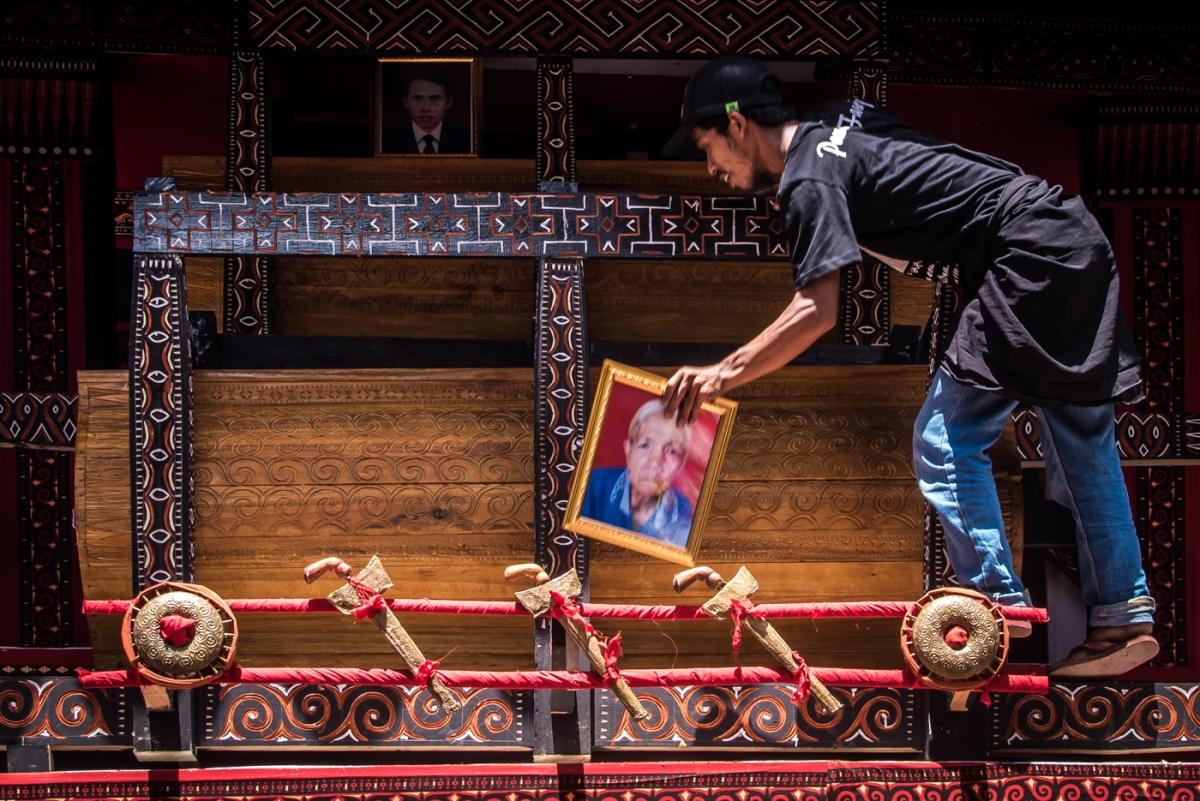 Torajas bizarre heritage - Rambu Solo'
