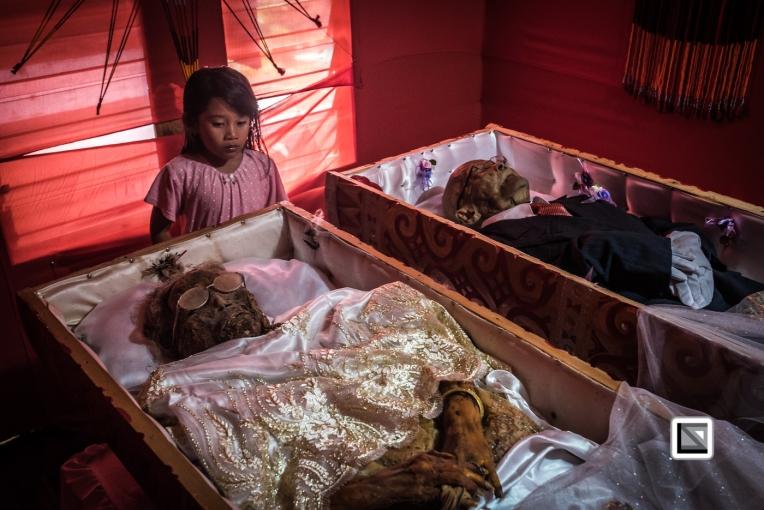 Indonesia-Toraja-Yohanis_and_his_wife_Alfrida-9