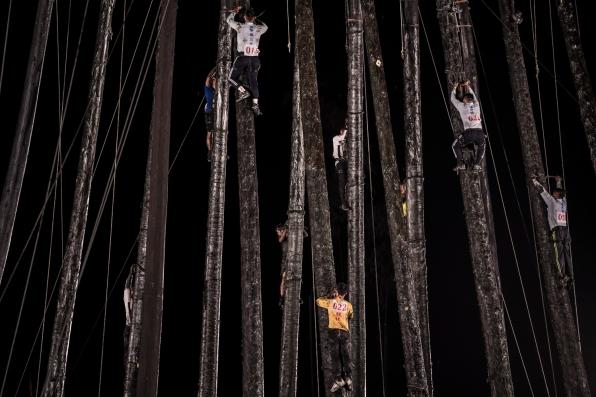 Taiwan-Toucheng_Qianggu_Pole_climbing_and_ghost_month_closing-82